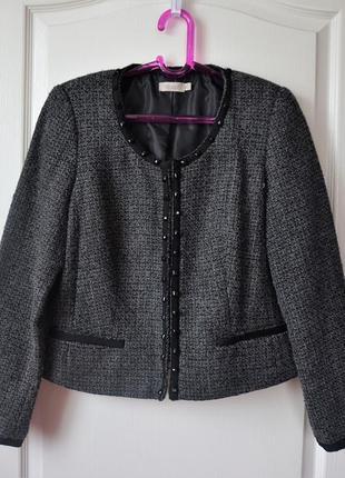 Классический пиджак с камнями