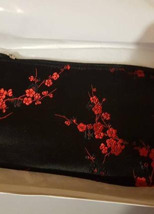 Супер стильная дорогая косметичка с шелка в коробке  paul gauguin, идеально на подарок