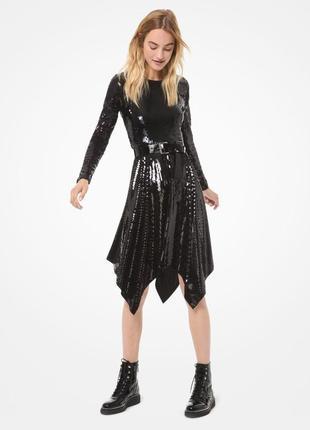 Платье асимметричное с блестками и поясом