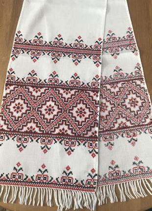 Белый винтажный рушник вышитый красными нитками
