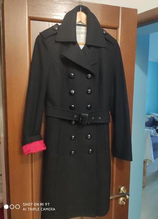 Чёрное шерстяное пальто. оригинал! италия.