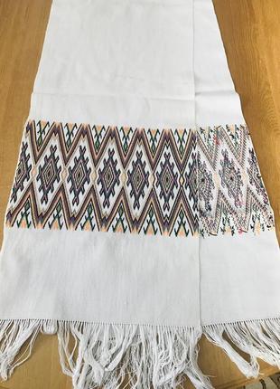 Белый винтажный вышитый рушник