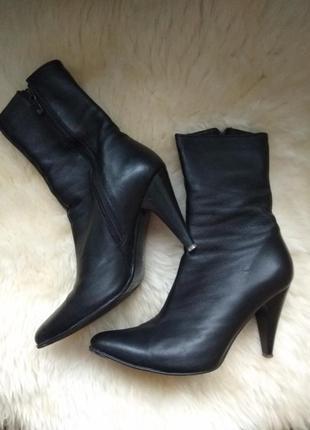 Кожаные ботинки шкіряні