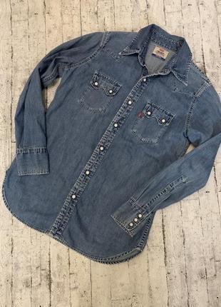 Levi's джинсовая рубашка