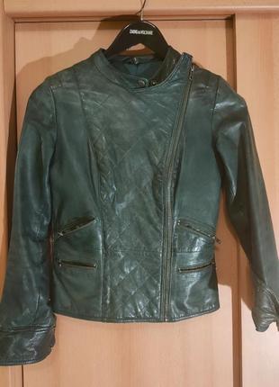 Кожаная куртка naf-naf