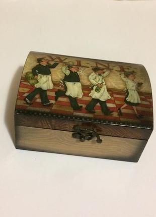 Чудесная деревенная шкатулка для украшений, чая, специй, купюр.
