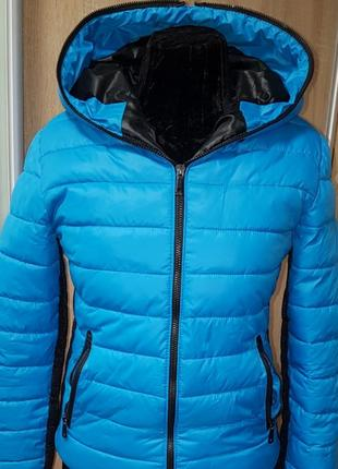 Курточка на сентипоне