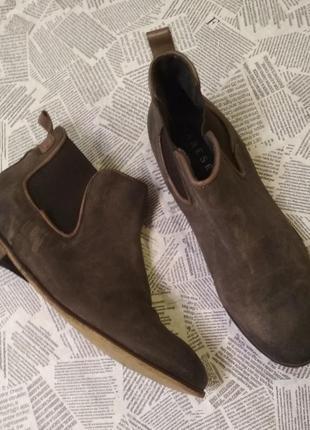 Классные ботинки челси натуральный замш varese