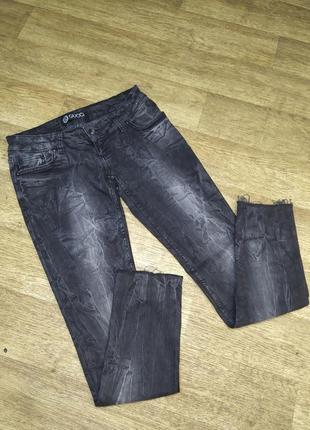 Крутые джинсы gucci