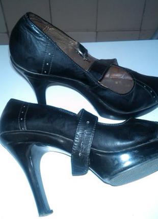Туфли кожание лаковие