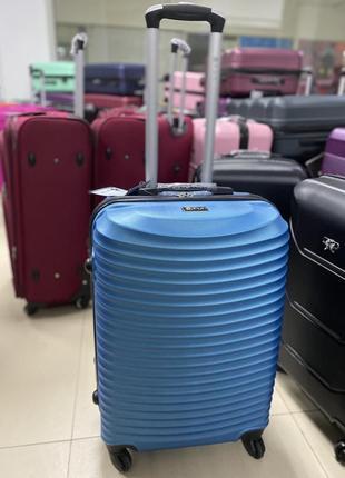 Чемодан валіза сумка дорожная на колесах пластиковый поликарбонат