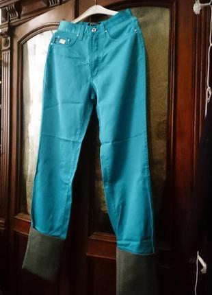 Gianfranco ferre , модный брюки с отворотами.