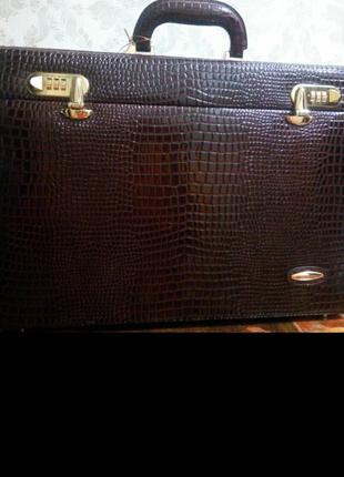 Кейс чемодан кожаный мужской