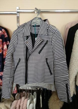 Распродажа!!! трендовая куртка косуха  befree