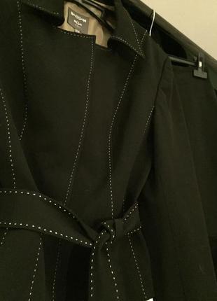 Стильный деловой костюм тройка bgn
