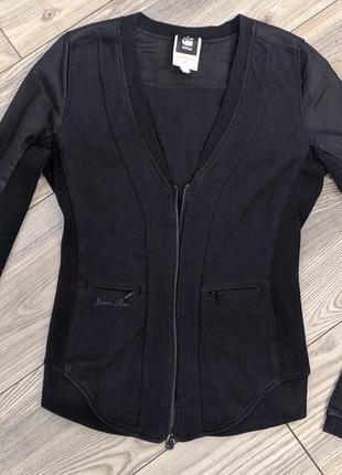 Крутая фирменная кофта,пиджак