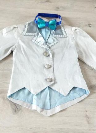 Элегантный смокинг для мальчика. детский фрак. пиджак и бабочка.