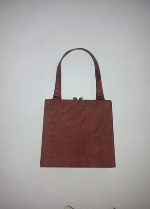 Классическая маленькая сумочка