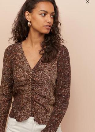 Блуза с v- образным вырезом