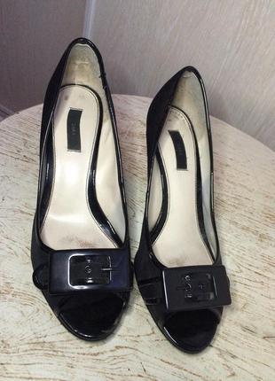 Туфельки на низком каблучке zara