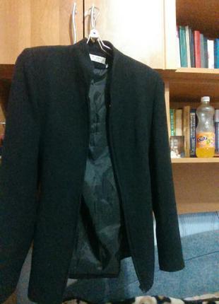 Легкое пальто 8 размер