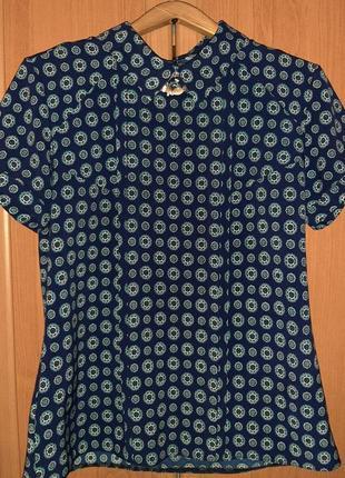 Блузка с коротким рукавом и брошкой (снимается)