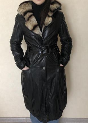 Кожаное пальто с шиншилой