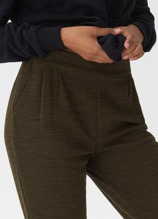 Актуальные зауженные брюки  jogger, джогеры