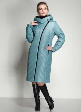 Модное женское зимнее пальто из плащевой ткани прямого и полуприлегающего силуэта, к.3749м