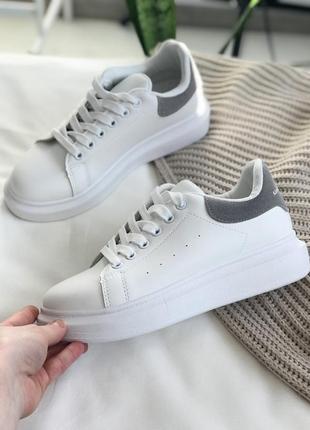 Белые кроссовки кеды классика