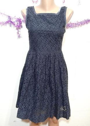Платье  кружевное р  с-м