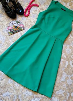 Шикарное платье. на бирке- 38 р-р(44)