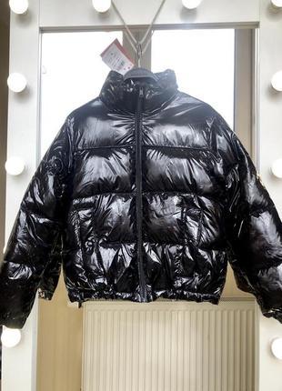 Лакированная куртка cropp