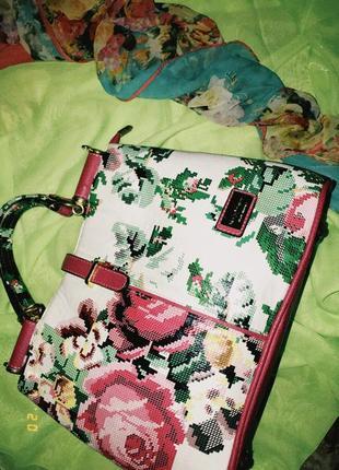 Модна сумочка з принтом