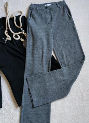 Трикотажные плотные брюки-палаццо спадающие в серых тонах от rebeka ross