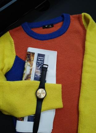 Цветной радужный свитер