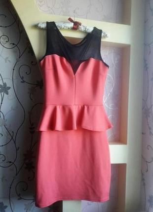 Сногшибательное новое платье с баской и сеточкой от quiz
