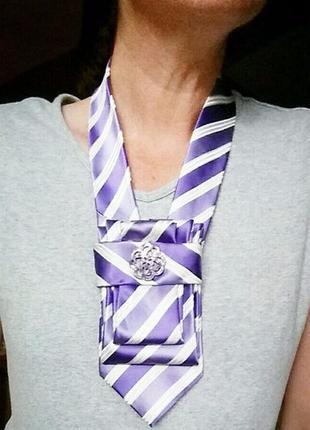 Добавь образу игривости с настроением .галстук