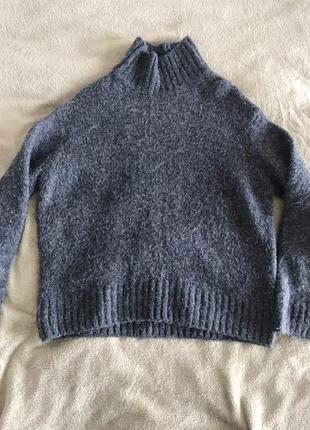 Серый мохеровый свитер h&m