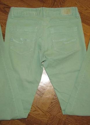 Джинсы летние тонкие светло-зеленые на девочку 152р. colins