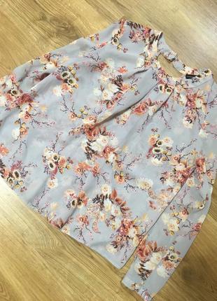 Дуже гарна блуза розмір s, m