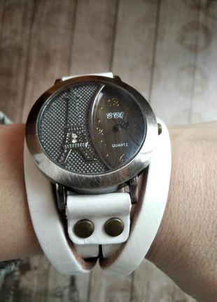 Женские часы-намотка в ретро стиле, нюанс.