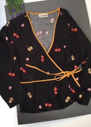 Блузка на запах / в цветочный принт