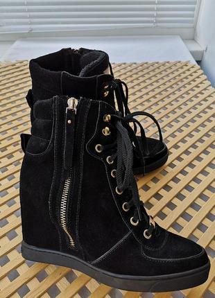 Черные замшевые ботиночки.. сникерсы