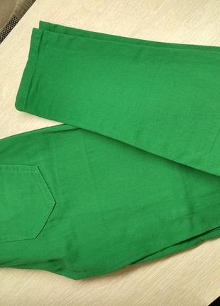 Яркие стрейчевые штаны, джинсы