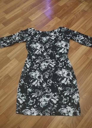 Миниплатье с цветами