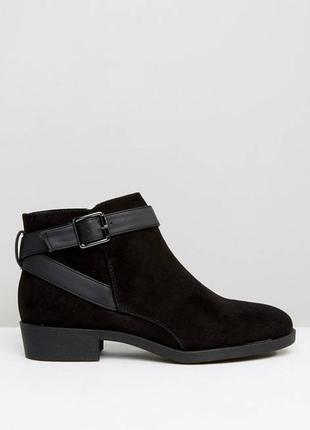Демисезонные ботинки челси ботильоны на низком ходу с пряжкой от new look