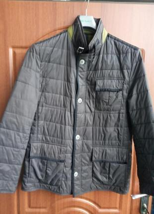 Классная мужская куртка bugatti