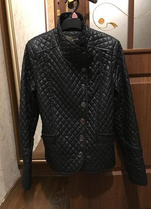 Стеганная демизесонная курточка куртка косуха фирмы gina bacconi италия