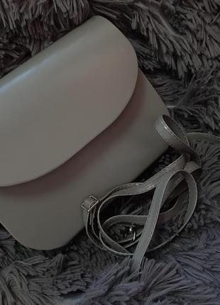 Маленька сумочка-клатч